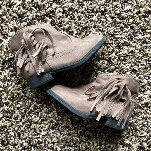 Boots with fringe